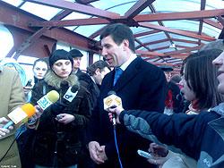 На Свердловском проспекте 15 марта открылся новый пешеходный мост