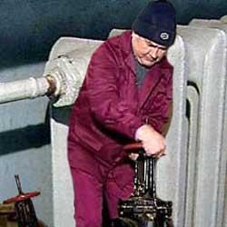Министр регионального развития России Дмитрий Козак оценил ситуацию с подготовкой объектов ЖКХ к зиме в целом как более-менее оптимистичную