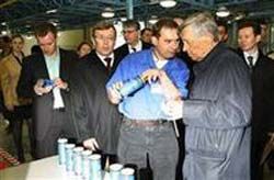 29 мая в Аргаяшском районе, возле села Ишалина, был запущен завод по производству алюминиевых банок английской компании «REXAM»