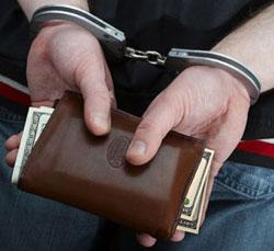 Выявлена преступная группа, которая в течение семи лет обманным путем похитила 16 квартир