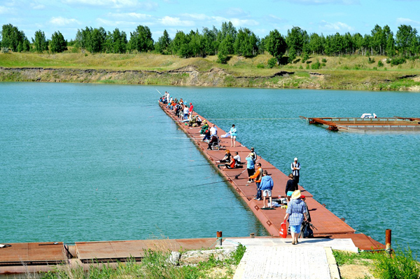 бирюзовое озеро рыбалка