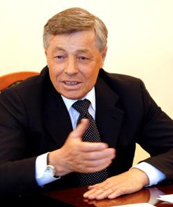 Губернатор Челябинской области Петр Сумин направил дополнительно около 130 миллионов рублей на выделение субсидий молодым семьям и бюджетникам