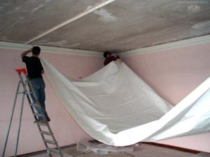 Характеристики и обустройство натяжного потолка
